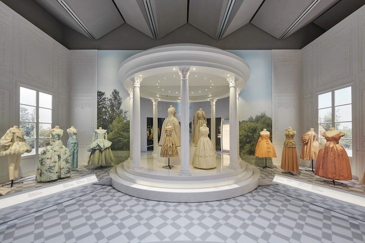 V&A_Christian Dior Designer of Dreams exhibition_Historicism section (c) ADRIEN DIRAND (5)