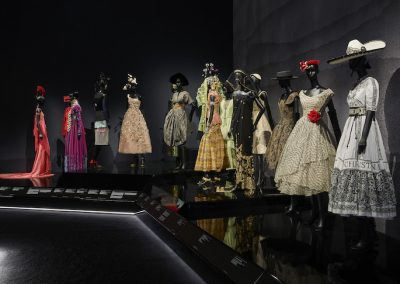 V&A_Christian Dior Designer of Dreams exhibition_Travels section (c) ADRIEN DIRAND (1)