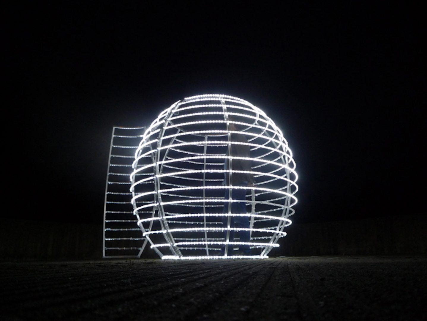 Jeanne Susplugas, Light House III, 2013, led, aluminium. © Jeanne Susplugas